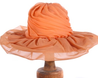Summer vintage hat with gathered fabric