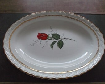 "Oval Faïencerie de St-Amand ""The Rose"", porcelain shabby chic"