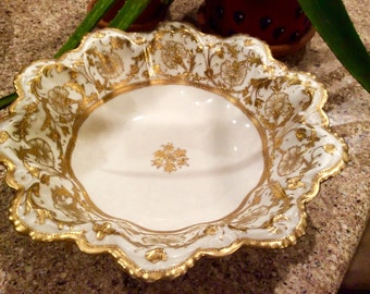 Nippon Handpainted 24kt Gold Trim  Serving Bowl