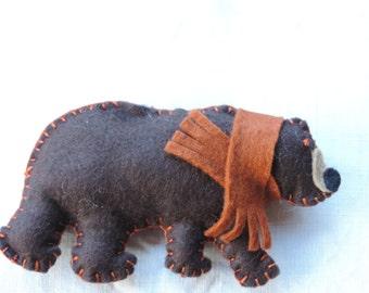 Felt Grizzly Bear w Hanger
