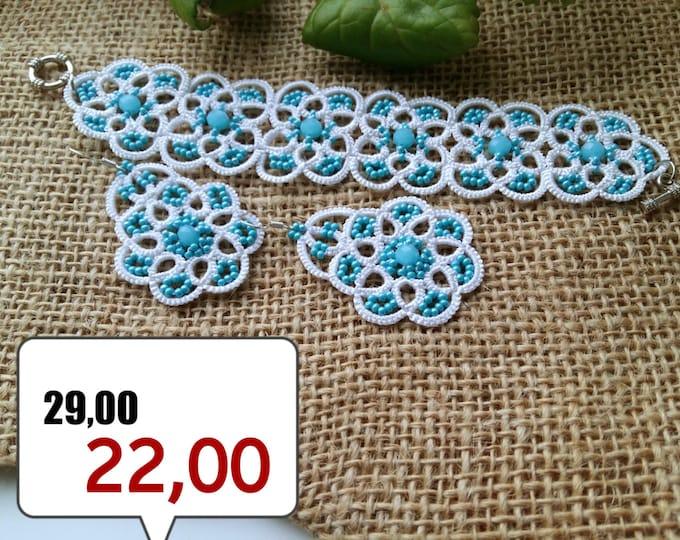 SALE -25% Lace bracelet and earrings Light Blue