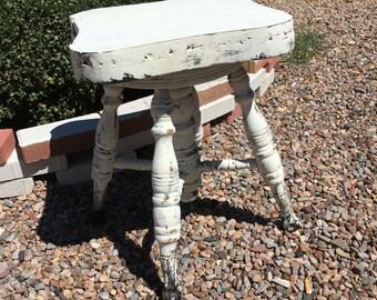 Claw foot piano stool