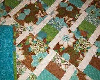 Floral Lattice Quilt