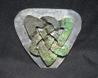 Celtic knot ceramic tile decoration