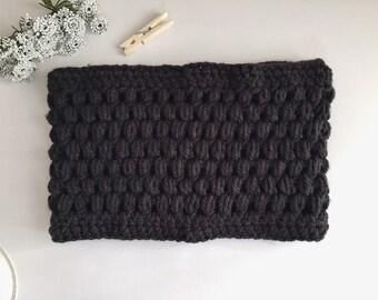Crochet cowl. Crochet scarf. Cowl, scarf. Crochet neckwarmer. Chunky. Crochet infinity scarf. Winter accessory, winter neckwarmer.Winterwarm