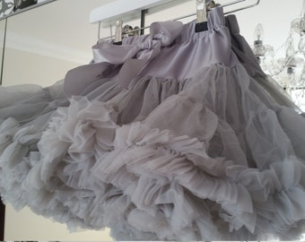 Newborn 0/12 mths Beautiful Full and Fluffy Silver Grey Pink Pettiskirt Pettidress Tutu