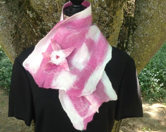 Raspberry and Cream Scarf