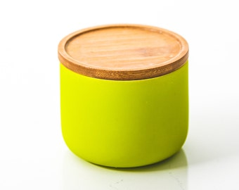 Green Ceramic Candle with Wooden Lid