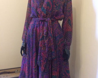 Vintage 1970s Tricoville Gold Label Paisley Chiffon Shirtwaister Dress 10 36