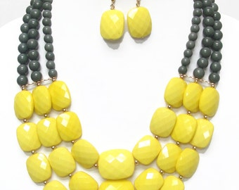 Multi facet acrylic stone link 3 layered necklace set (Yellow)