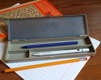 Soviet pencil box, School pencil case, Kids pencil case, Vintage pencil box, Plastic Pencil Box, Children pen holder box, Vintage box school