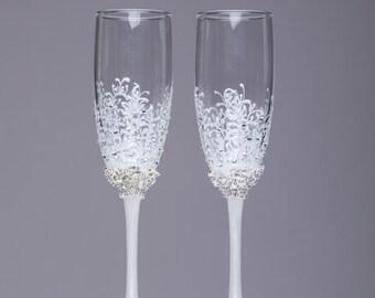 Silver wedding flutes snowflake Winter wedding glasses Champagne flutes snowflake Glasses silver winter collection Toasting glasses set of 2