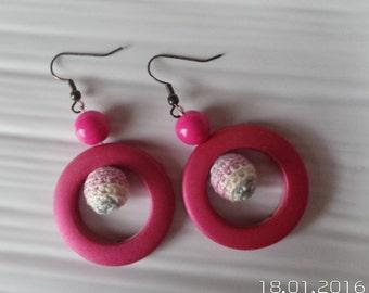 Handmade tatted earrings in pink