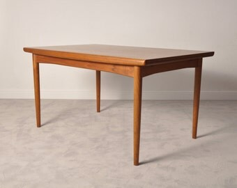 Danish teak extendable dining table from Dyrlund,1960s