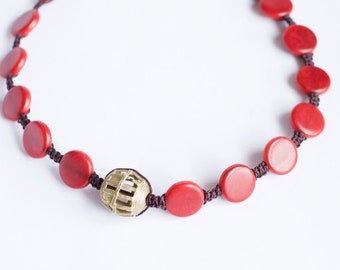 Short red Tagua necklace and africana-hecho piece mano-macrame