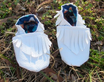 White Baby Moccasins (CRIB Shoes/CRAWLERS/BOOTIES)