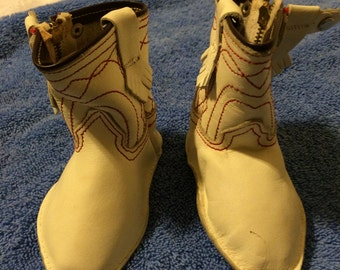 Cute vintage western baby boots