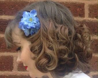 Little Fall of Rain - Small Blue Retro Flower Hairpiece