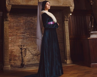 Medieval gown late 15th century Burgundy fashion woman dress.  !ONLY TO ORDER!