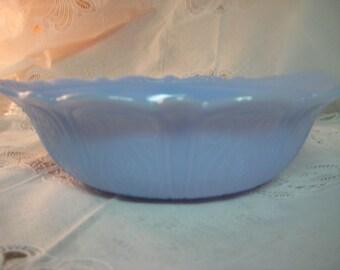 McKee delphite vegetable/serving bowl