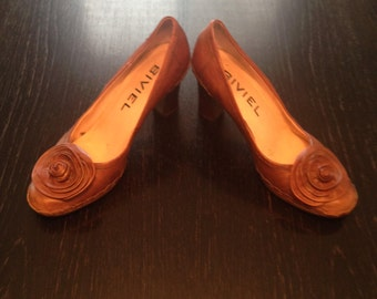Bivel Pumps
