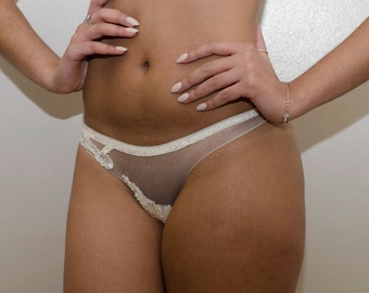 The Eden Panty - Ivory lace panty with delicate lace detail