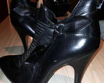 Vintage 80's Black leather QualiCrafts PUNK bootie. Flash Dance!