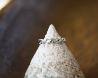 Vintage Flat Rope Sterling Silver Stackable Ring, US Size 7.5, Used