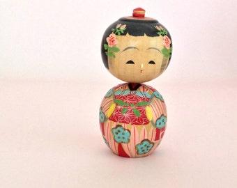 Small kokeshi doll / Christmas gift idea for mom / Japanese doll / Cute Christmas gift idea / Kokeshi doll vintage