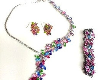 Necklace, Bracelet and Earring Set)