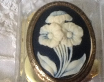 "Vintage music box, flower and leaves cameo, song ""In The Garden"""