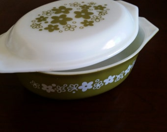 Pyrex Spring Blossom Green casserole dish with lid