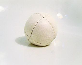 "Pila Luxuria ""Alba"" Leather Juggling Ball"