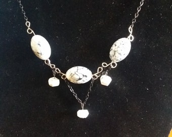 Black, White, & Silver, Necklace, Bracelet and Earring Set
