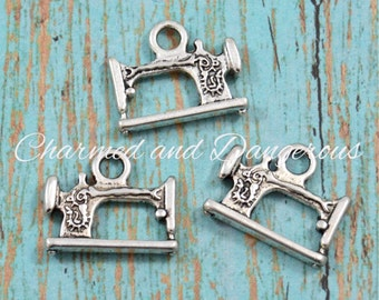10 pewter Antique Sewing Machine charms (CM223)