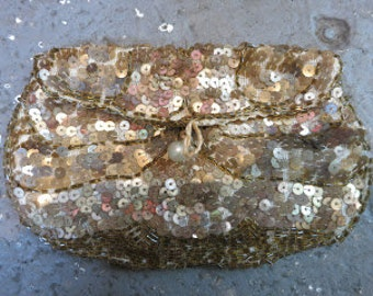 Vintage Golden Sequined Finger Clutch with Faux Pearl Button