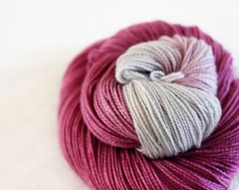Sansa - Gosling - 80/10/10 superwash merino/ cashmere/ nylon sock yarn