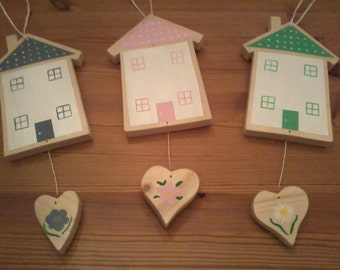 Wooden house 'Home is where the heart is'