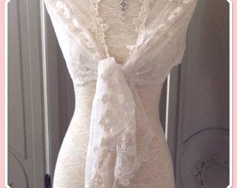 Cream Vintage Style Lace Wrap Scarf Shawl Weddings Races Proms Seasonal Romatic Gift Idea