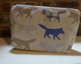 Kit-Kit foxes large format