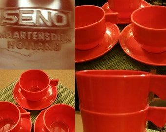 Vintage Seno Maartensdijk Holland Picnic Set three stacking red cups and saucers