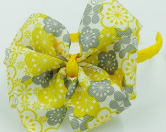 Yellow headband with yellow,grey and white bow