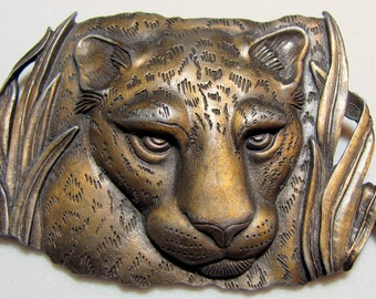 Large Leopard Jaguar Cheetah Big Cat in the Grass Cast Brass Brooch Pin Signed JJ 1986
