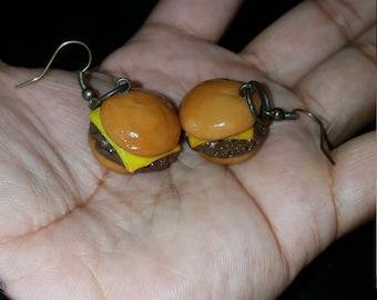 Cheeseburger earrings, polymer clay earrings, burger earrings, food earrings, handmade, polymer clay, cute earrings, Handmade earring