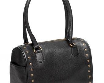 The Elle Bag is the perfect medium sized handbag.