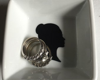 Silhouette ring dish