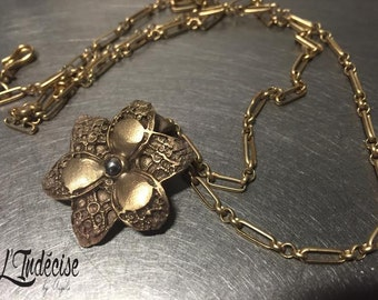 Flower necklace lace gilded bronze