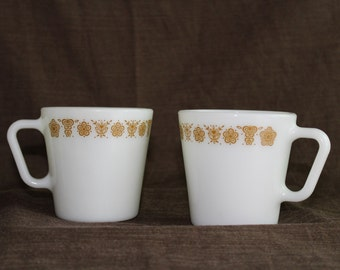 ONE Pyrex Butterfly Gold coffee mug