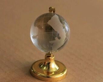 globe art from plastique unique design