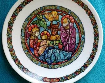 Limoges limited edition hand painted Nöel porcelain plate
